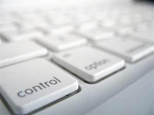 Control is an Option to Command, by Frederico Cintra, licensed under CC BY 4.0